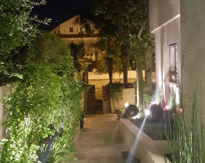 תאורת גן כניסה לבית